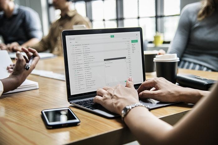Podnikový informačný systém v prehľadnej aplikácii
