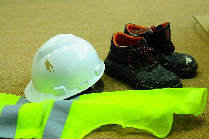 Pracovná prilba a obuv